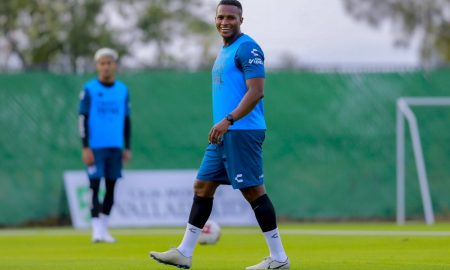 Antonio Valencia cuenta lo difícil que fue su experiencia al jugar en España