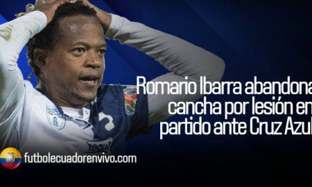 Preocupación por Romario Ibarra al abandonar la cancha por lesión